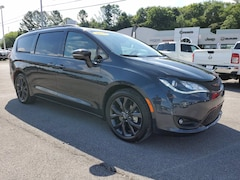 2019 Chrysler Pacifica Limited Limited FWD