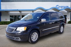 2016 Chrysler Town & Country Limited Wagon