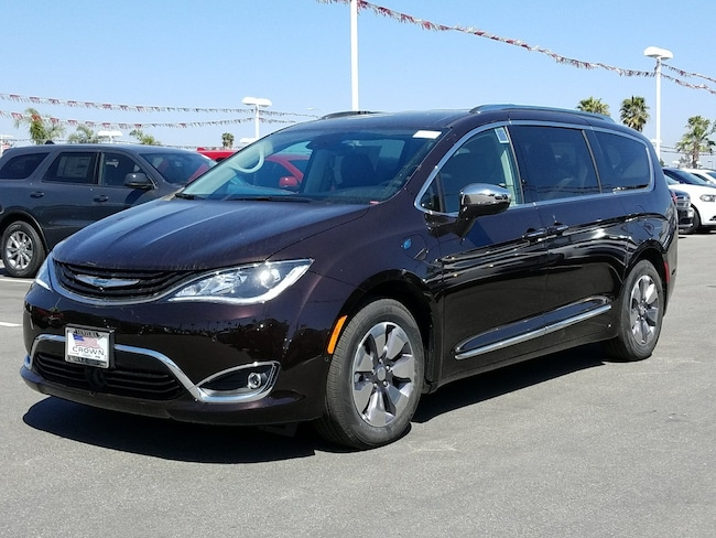 2018 Chrysler Pacifica Hybrid LIMITED Passenger Van