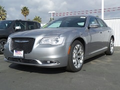 2017 Chrysler 300 C PLATINUM Sedan