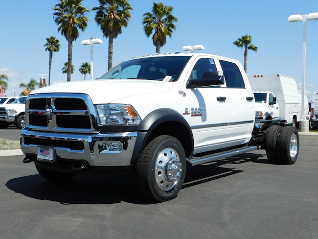 2018 Ram 4500 Chassis TRADESMAN CHASSIS CREW CAB 4X2 173.4 WB Crew Cab
