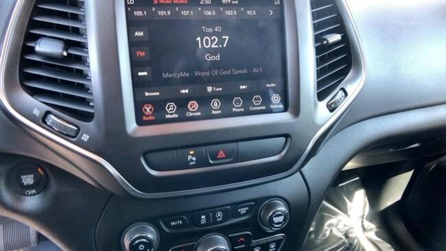 Used 2019 Jeep Cherokee For Sale at Crown Motors | VIN
