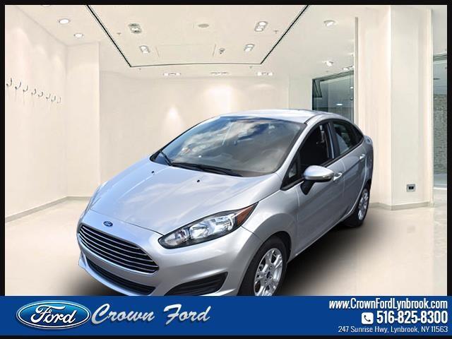 2014 Ford Fiesta Sdn SE Car