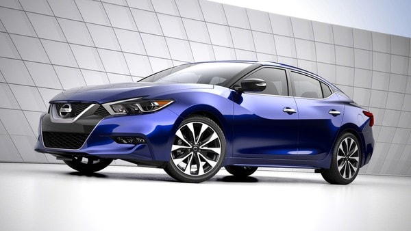 2016 Nissan Maxima awarded IIHS top safety pick and Wards 10 Best