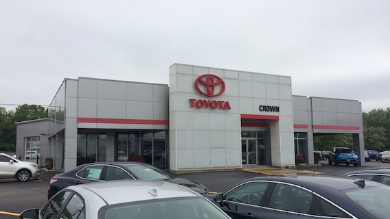 Car Dealerships Decatur Il >> About Crown Toyota Toyota Lease Specials Near Springfield Il