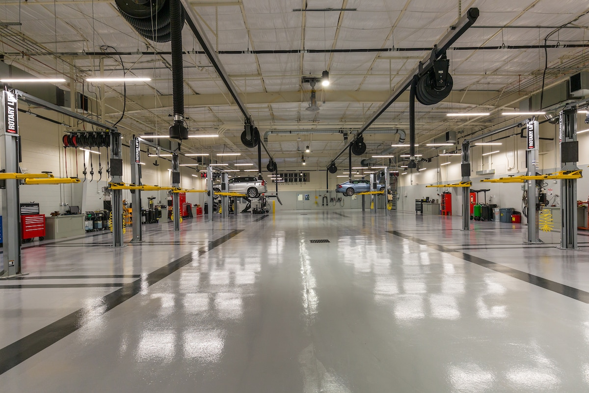 Crown Volvo Cars Service Center in Clearwater near Tampa