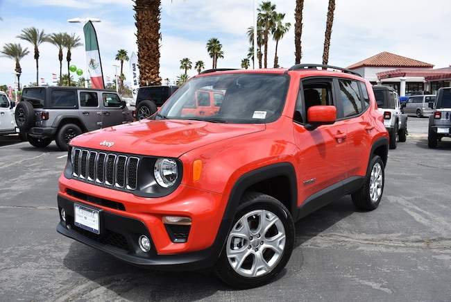 New 2019 Jeep Renegade LATITUDE 4X4 Sport Utility Cathedral City, CA