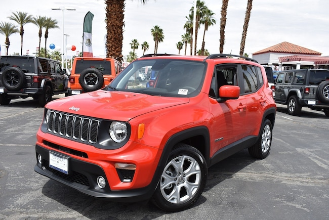 New 2019 Jeep Renegade LATITUDE 4X2 Sport Utility Cathedral City, CA