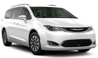 New Chrysler Dodge Jeep Ram models 2020 Chrysler Pacifica TOURING L PLUS Passenger Van for sale in Homosassa, FL
