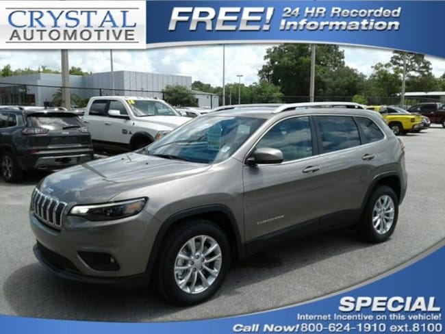 New 2019 Jeep Cherokee LATITUDE FWD Sport Utility for sale in Homosassa, FL at Crystal Chrysler Dodge Jeep