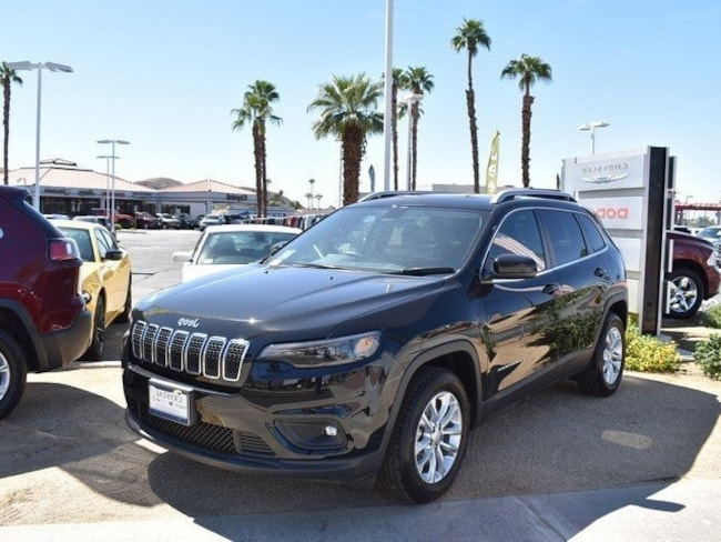 New 2019 Jeep Cherokee LATITUDE FWD Sport Utility in Cathedral City