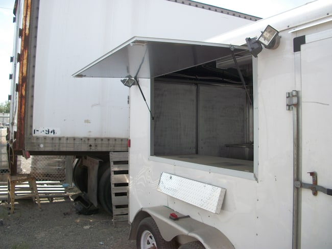 2010 TRAILERMAN CONSSISION FOOD TRAILER