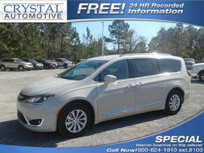 New 2019 Chrysler Pacifica TOURING L Passenger Van for sale in Brooksville, FL at Crystal Chrysler Dodge Jeep