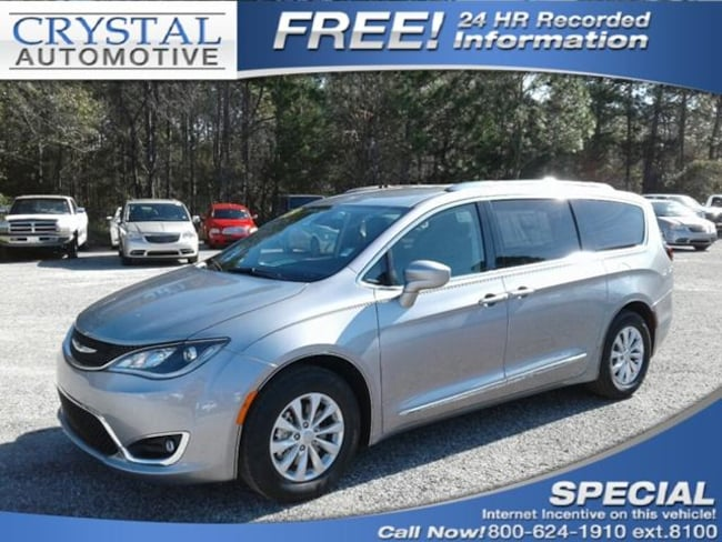 New 2019 Chrysler Pacifica TOURING L Passenger Van for sale in Brooksville, FL at Crystal Chrysler Dodge Jeep