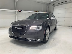 2018 Chrysler 300 Limited Sedan in Pampa, TX