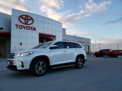New 2019 Toyota Highlander LE V6 SUV in Pampa, TX