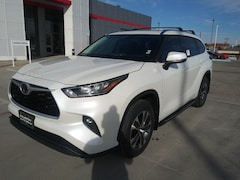 New 2020 Toyota Highlander XLE SUV in Pampa, TX