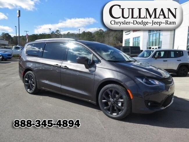 2018 Chrysler Pacifica TOURING L PLUS Passenger Van