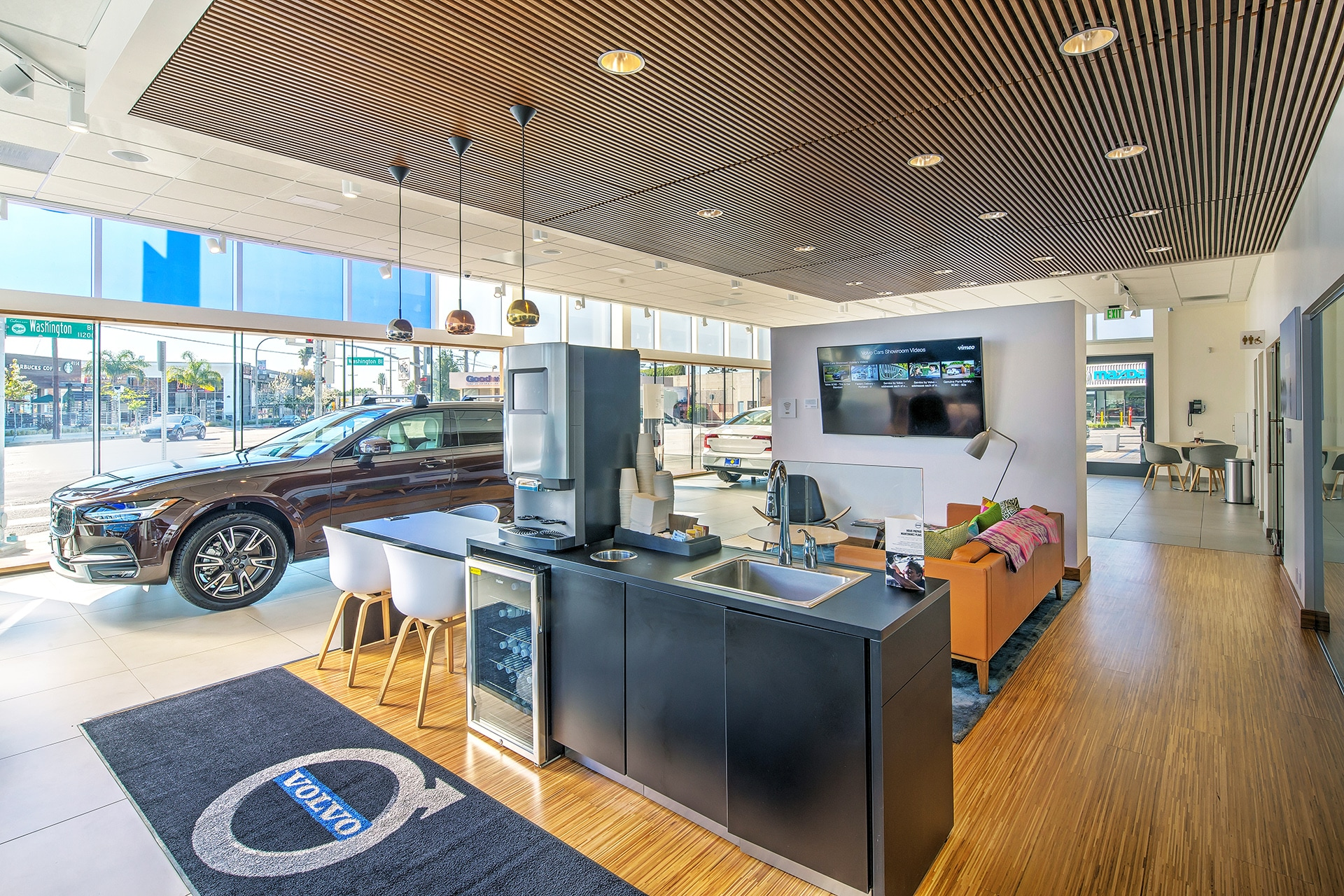 View new cars and use charging stations in our customer lounge at Culver City Volvo Cars
