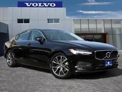 2018 Volvo S90 T5 FWD Momentum Sedan