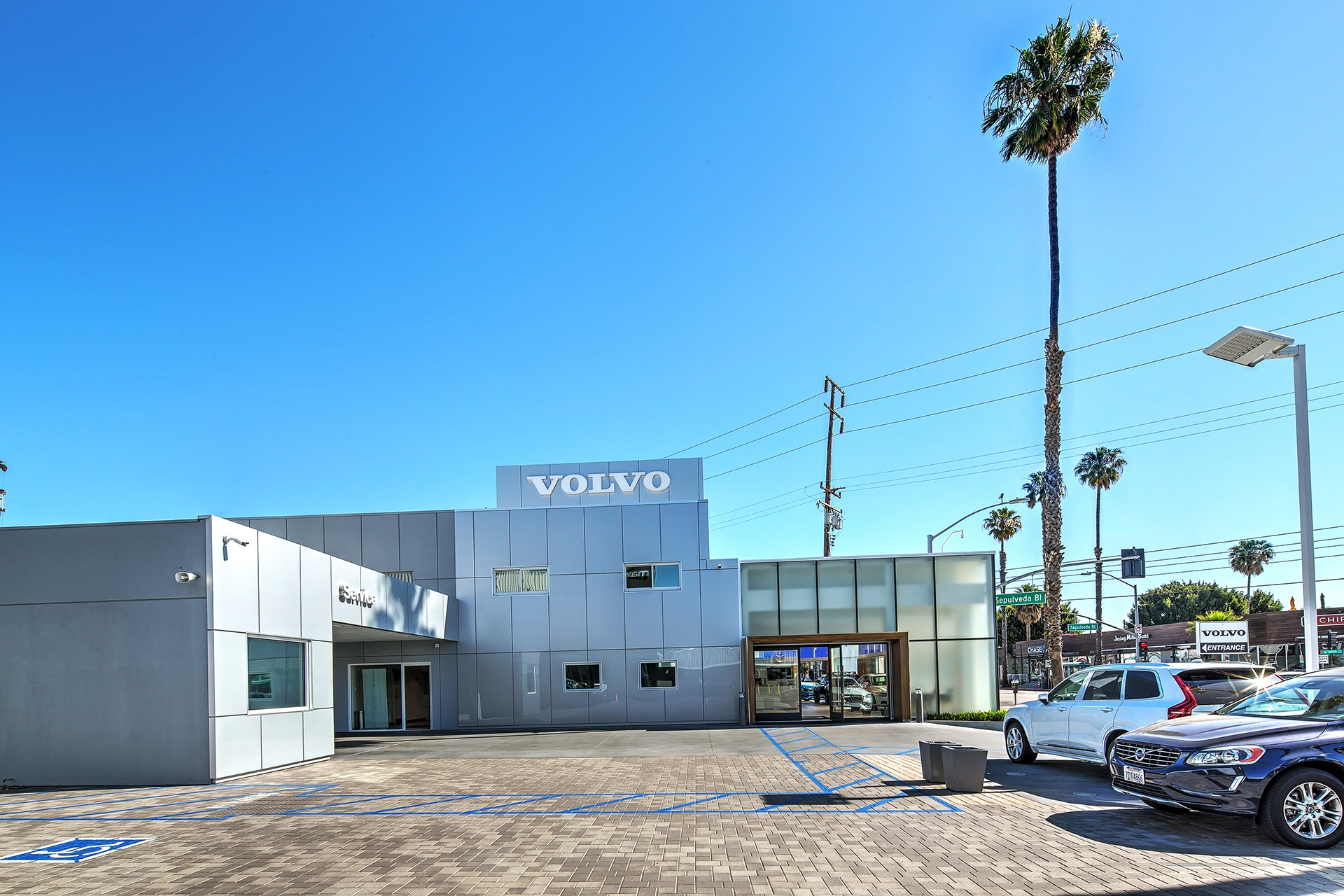There is valet parking available at Culver City Volvo Cars