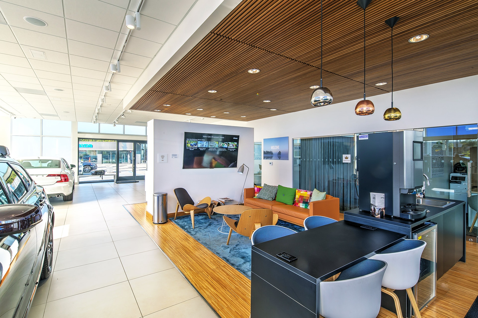 Visit our amazing customer lounge in Culver City