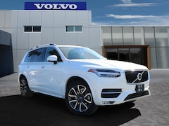 2017 Volvo XC90 T6 AWD Momentum SUV