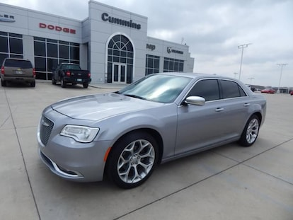 Used 2017 Chrysler 300 For Sale at Cummins Lincoln   VIN