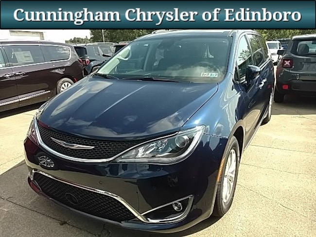 New 2018 Chrysler Pacifica TOURING L Passenger Van For Sale in Edinboro, PA