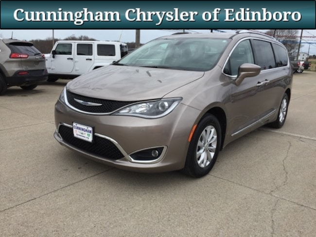 Used 2018 Chrysler Pacifica Touring L Minivan/Van For Sale in Edinboro, PA