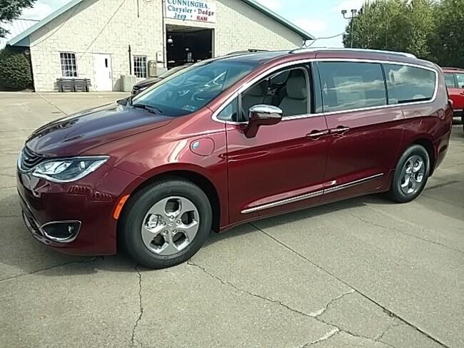 New 2018 Chrysler Pacifica Hybrid LIMITED Passenger Van For Sale in Edinboro, PA
