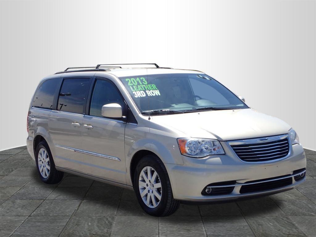 2013 Chrysler Town & Country Touring Passenger Van