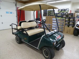 2006 CLUB CAR DS New Battery 4 passenger Golf cart