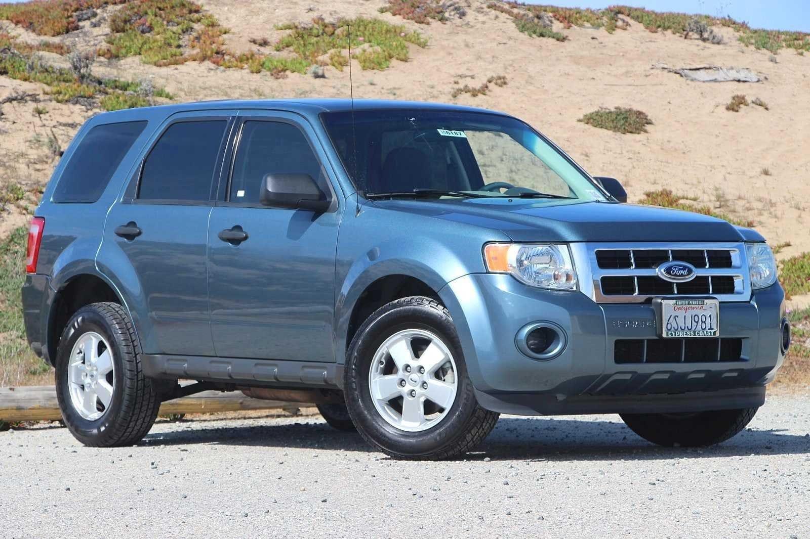 2011 Ford Escape XLS FWD  XLS
