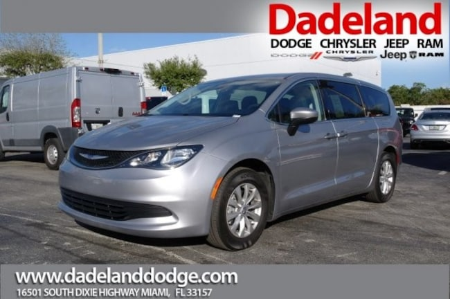 Used 2018 Chrysler Pacifica LX Minivan/Van in Miami