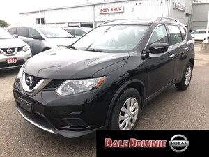 2015 Nissan Rogue S - LOW KMS ONE OWNER