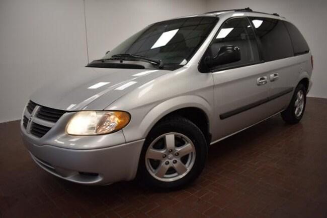 2005 Dodge Caravan SXT Minivan