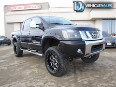 2013 Nissan Titan SL, 6' LIFT, REAR DVD, LEATHER, NAV Truck Crew Cab