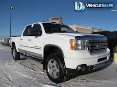 2012 GMC Sierra 2500HD DENALI, 4X4, LEATHER, NAV, REAR DVD Truck Crew Cab