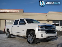 2017 Chevrolet Silverado 1500 High Country, 4x4, Nav, Leather Truck Crew Cab