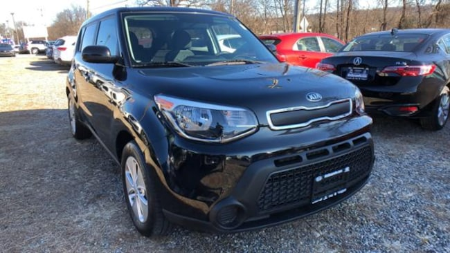 Certified 2016 Kia Soul Base FWD Hatchback Danbury, CT