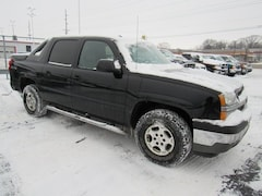 Used 2005 Chevrolet Avalanche LT 1500  Crew Cab 130 WB 4WD LT DT21540C1 for sale in Waterloo, IA