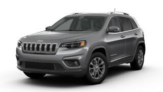 New 2019 Jeep Cherokee LATITUDE PLUS 4X4 Sport Utility J13301 for sale in Waterloo, IA