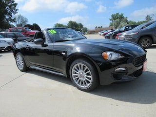 New 2018 FIAT 124 Spider CLASSICA Convertible F10018 for sale in Waterloo, IA