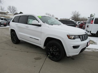 New 2019 Jeep Grand Cherokee ALTITUDE 4X4 Sport Utility for sale in Waterloo, IA