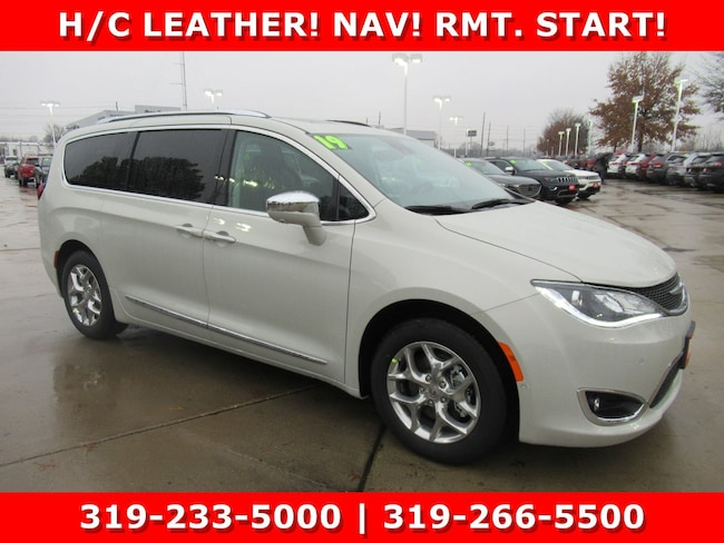 New 2019 Chrysler Pacifica LIMITED Passenger Van Waterloo, IA