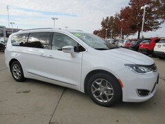 Certified Pre-Owned 2018 Chrysler Pacifica Limited Limited FWD 2C4RC1GG7JR233209 for Sale in Waterloo, IA