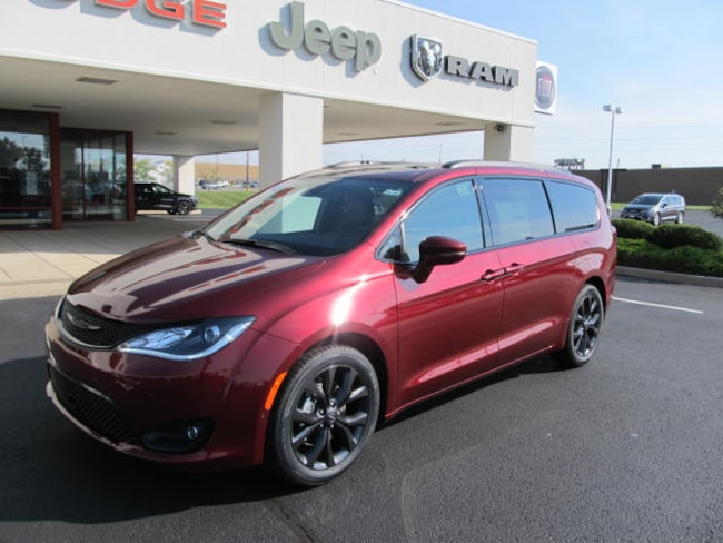 2019 Chrysler Pacifica LIMITED S Passenger Van