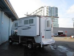 2009 ADVENTURER 8 ft camper with slide out