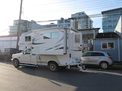 2012 ADVENTURER 86SBS camper with slide clean